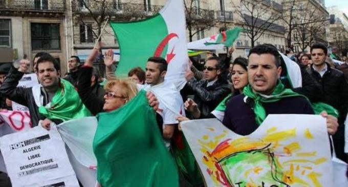 Les Algériens de la diaspora  rejettent  la révision de la constitution.